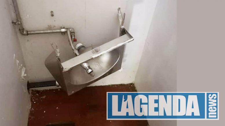 Chiomonte vandali distruggono bagni